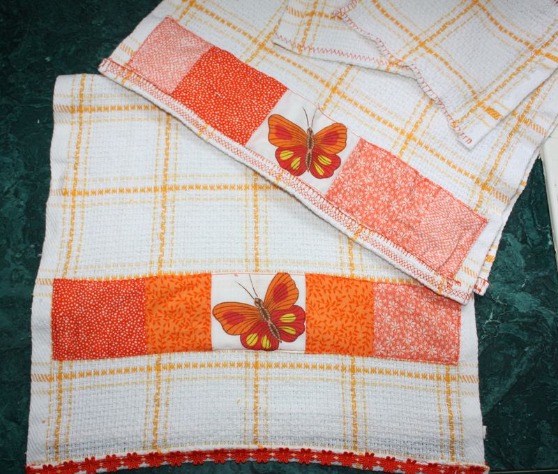 Orangedishtowelsclose