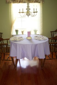 Dining_room_tablecloth